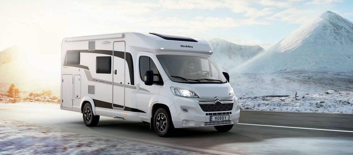 HOBBY OPTIMA ONTOUR EDITION jízda zimní krajinou